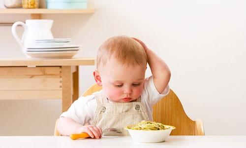 trẻ 17 tháng tuổi bị suy dinh dưỡng